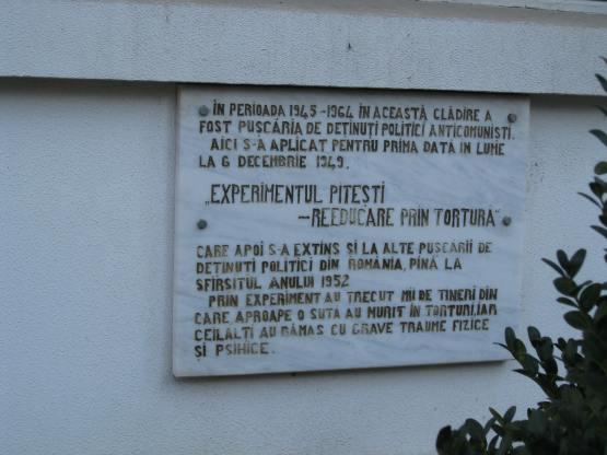 Pitesti_prison_plaque