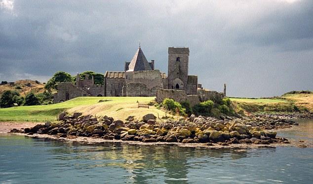 B5A2FH Inchcolm Island and Abbey Firth of Forth, Scotland