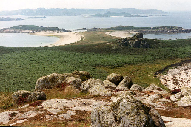 Tean,_Isles_of_Scilly._View_from_the_Great_Hill_-_geograph.org.uk_-_260948