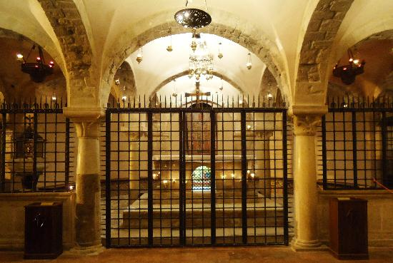 grotto-st-nicholas-tomb