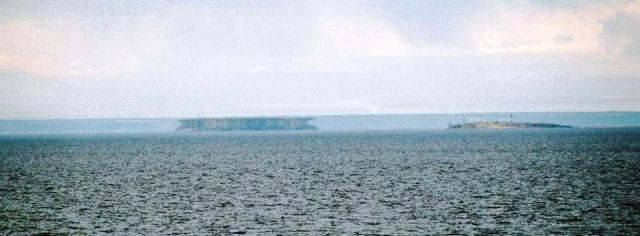 Lake_Ladoga_-_superior_mirage_2