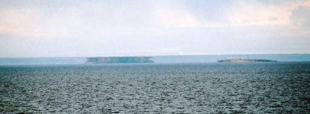 Lake_Ladoga_-_superior_mirage_2