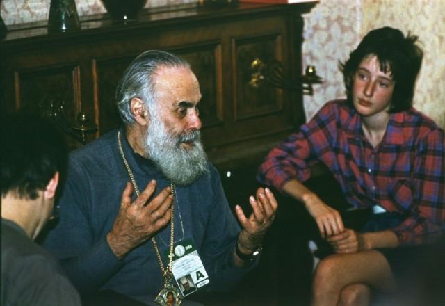 1988.06.15.-Vstrecha-s-mitr.-Antoniem.-05-1.jpg